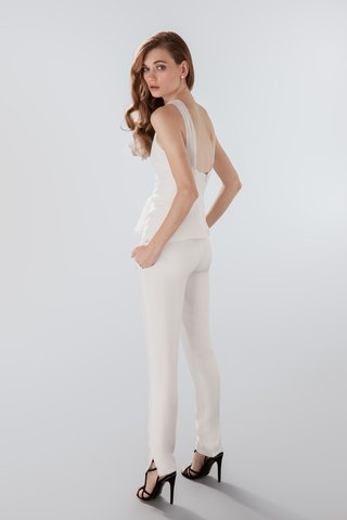back-view-of-white-blouse-and-pants-by-aideux
