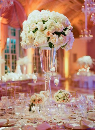 ballroom-reception-decor-with-floating-candles