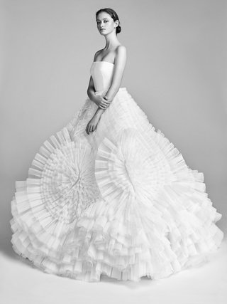 look-6-vrm045-by-viktor-rolf-couture-ball-gown-with-elaborate-pleated-swirl-tulle-skirt