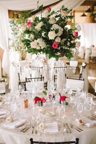 round-table-and-crystal-vase-filled-with-roses