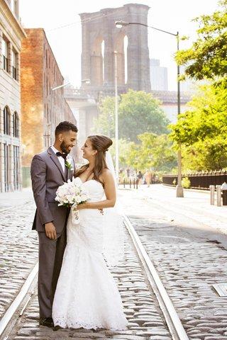 intimate-wedding-in-dumbo-brooklyn-26-bridge