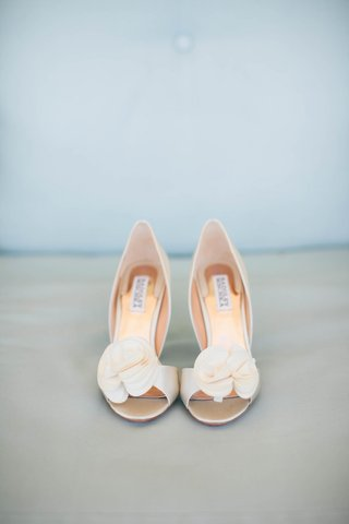 low-bridal-heels-floral-applique-tan-champagne-pippa-middleton-wedding-predictions