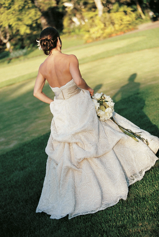bride-in-champagne-wedding-dress-on-golf-course