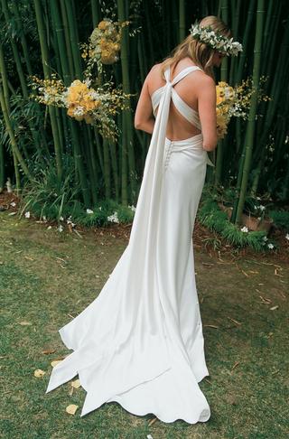 amy-michelson-wedding-dress