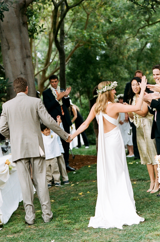 bride-and-groom-leave-green-california-outdoor-ceremony