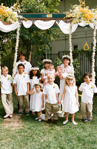 twelve-kids-as-wedding-flower-girls-and-ring-bearers