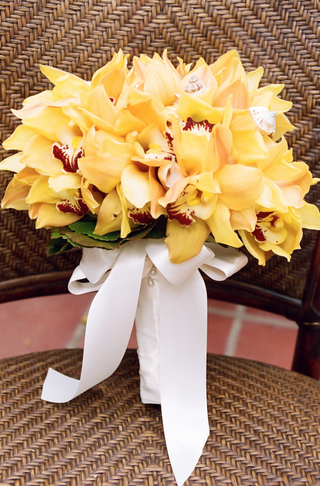 wedding-bridal-bouquet-with-tropical-yellow-orchids