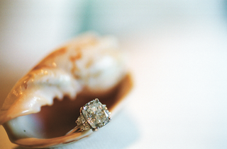 platinum-engagement-ring-inside-seashell