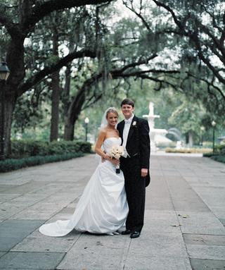forsyth-park-wedding-couple-portrait