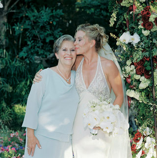 rosalynn-sumners-with-mother-of-the-bride