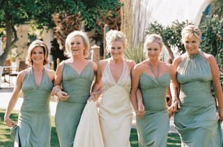 bride-with-four-blonde-bridesmaids-in-light-green-dresses