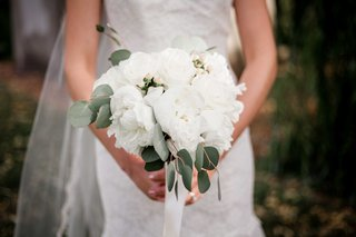 bouquet-grand-white-blossoms-greenery-peonies-leaves-traditional-ivory-bouquet-portland-wedding