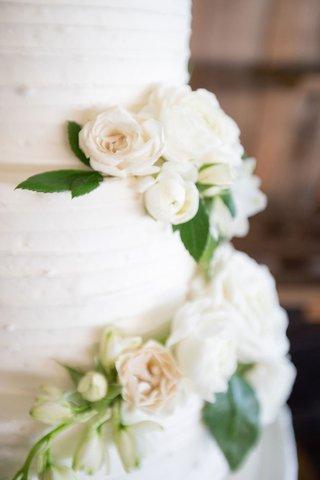 echosmith-singer-sydney-sierota-and-cameron-quiseng-wedding-cake-buttercream-frosting-fresh-flowers