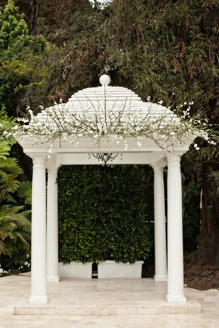 hotel-bel-air-wedding-ceremony-gazebo-with-white-flowers-and-branches