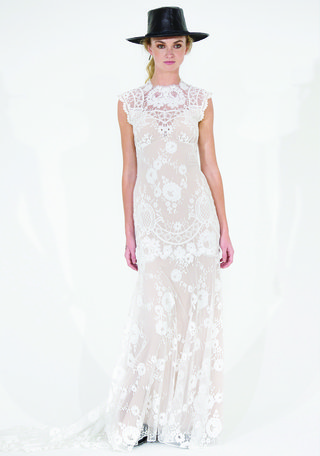 cheyenne-lace-gown-by-claire-pettibone-romantique-spring-2016