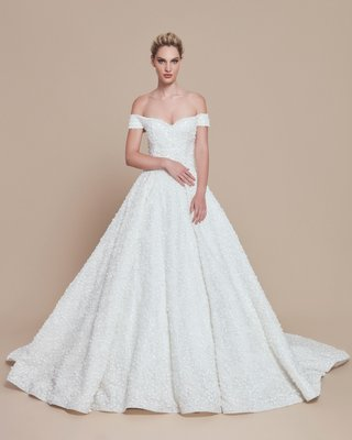 ebru-sanci-2018-bridal-collection-wedding-dress-ball-gown-off-shoulder-ball-gown-beading-appliques
