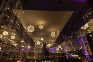 wedding-reception-ballroom-reception-floor-to-ceiling-windows-chicago-skyline-downtown