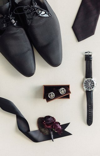 grooms-shoes-textured-cuff-links-black-watch-burgundy-oxblood-boutonniere-and-tie-wedding-details