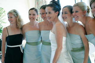 bride-with-bridesmaids-in-strapless-dresses