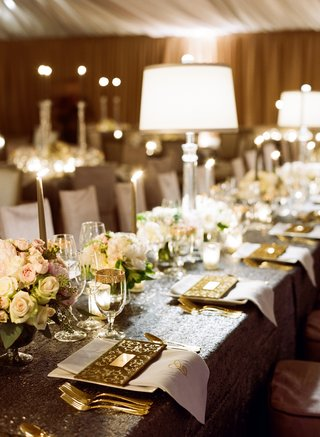 new-years-eve-wedding-table-decorations-with-sequins