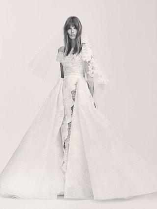 black-and-white-photo-of-elie-saab-bridal-spring-2017-short-sleeve-wedding-dress-lace-with-slit