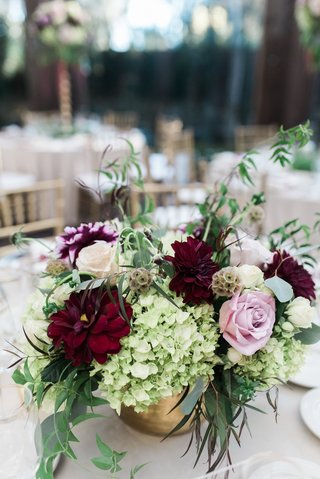 fall-wedding-small-centerpiece-with-burgundy-and-blush-flowers-greenery-gold-vase