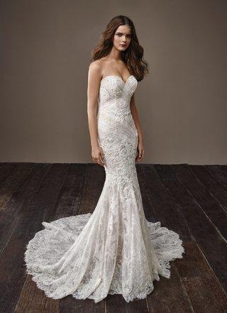 badgley-mischka-bride-2018-collection-wedding-dress-bella-strapless-sweetheart-neckline-bridal-gown