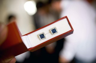 jewel-cufflinks-in-red-box