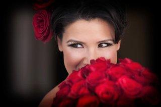 dark-eyeliner-fake-eyelashes-and-red-blush