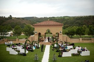 nicholas-barnett-outdoor-wedding-ceremony