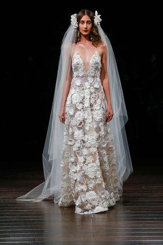 naeem-khan-bridal-fall-2017-singapore-v-neck-wedding-dress-with-ivory-flower-appliques-embroidery