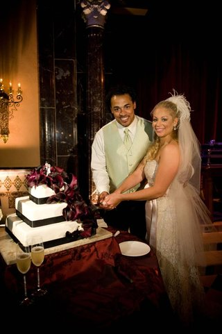 nicholas-barnett-and-wife-cut-alternative-wedding-cake