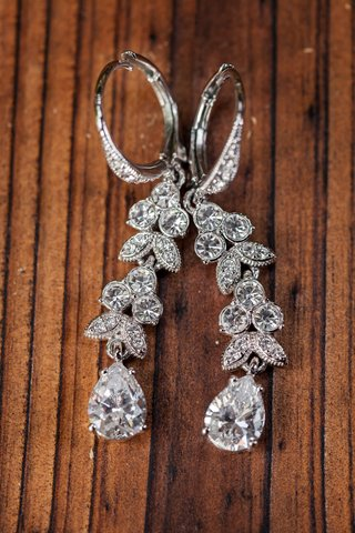 marquise-set-diamonds-and-teardrop-shaped-earring