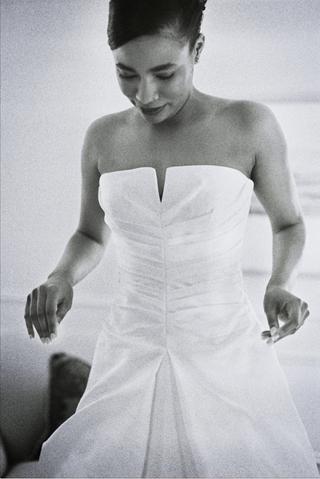 black-and-white-photo-of-wedding-dress