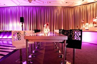damask-pattern-carved-black-and-white-bar-stools