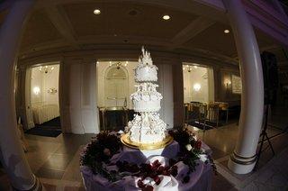 disneys-fairy-tale-weddings-castle-cake