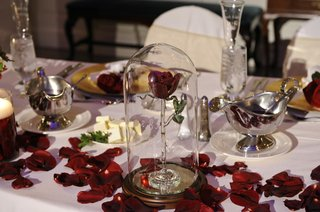 disneys-fairy-tale-weddings-reception-table