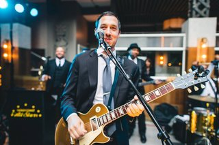 danny chaimson playing guitar with all star band gold coast events chicago los angeles