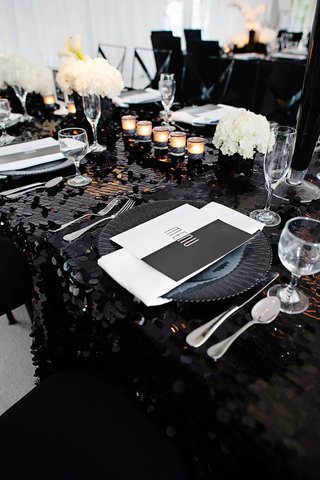 black-and-white-geometric-wedding-menu-at-table