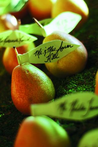 fresh-fruit-pear-escort-card-at-wedding