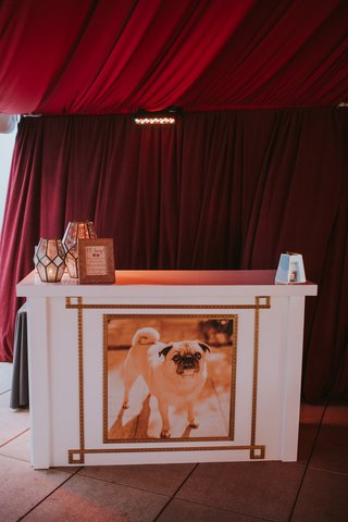 wedding-bar-with-picture-of-pug-on-it-how-to-include-pets-in-your-wedding