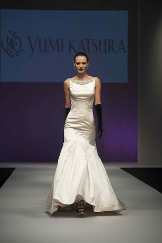 yumi-katsura-fall-2016-fit-and-flare-wedding-dress-with-high-neckline-and-jewels-on-neck