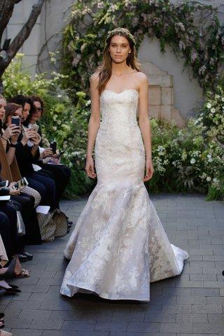 monique-lhuillier-spring-2017-camellia-wedding-dress-trumpet-gown-lace-applique