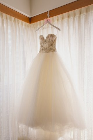 kenneth-pool-wedding-dress-strapless-ball-gown-with-beaded-bodice-and-sweetheart-neckline