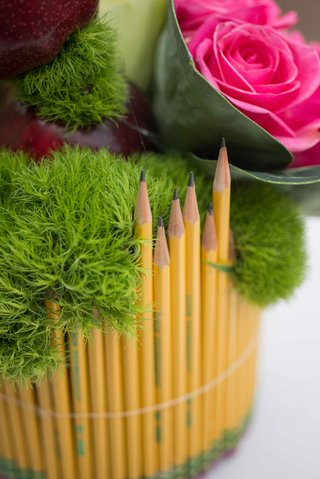 pink-rose-green-moss-2-pencil-sharpened-with-erasers-at-bottom-vase-bridal-shower-school-theme