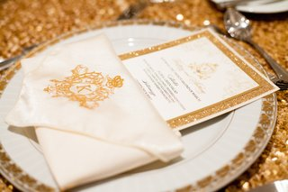 glitter-rimmed-menu-card-and-embroidered-napkin