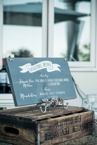 shabby-chic-wedding-decor-ideas-signature-drinks-chalkboard-wood-sign