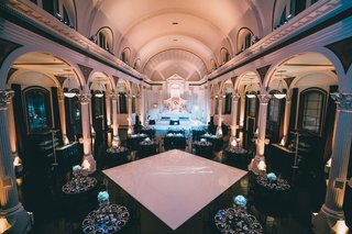 wedding-reception-vibiana-wedding-venue-black-white-winter-decor-columns-lighting-arches