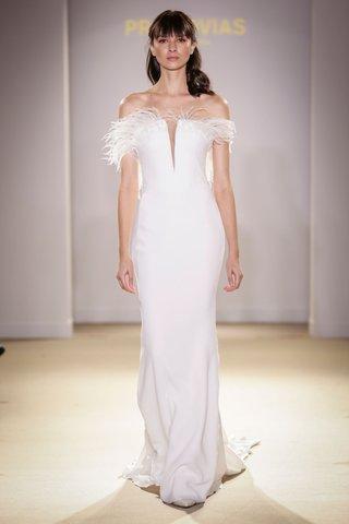 atelier-pronovias-2019-bridal-collection-wedding-dresses-sleek-bridal-gown-feather-plunging-neck