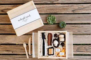 rustic-wedding-midnight-snack-box-with-cheese